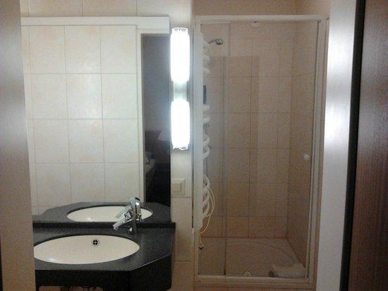 Hotel Lumen : Bathroom
