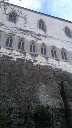 Schloss Lenzburg: Стена замка/Castle wall