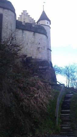 Schloss Lenzburg: Другая стена/Another wall
