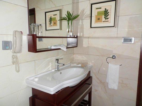 Chelsea Hotel Wuse 2: Chelsea bathroom