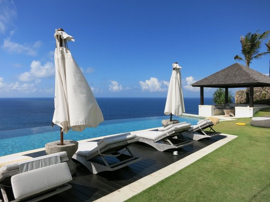 The Ungasan Clifftop Resort: Infinity pool
