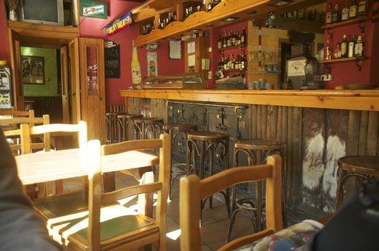 Hotel Saurat: el bar del hotel
