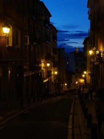 Bilbao Apartamentos Atxuri: Zur Altstadt