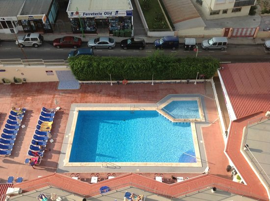 Servigroup Nereo: pool view from room 909