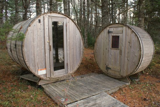 Trout Point Lodge of Nova Scotia : Sauna (only on the left; the right one is storage)