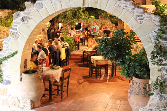 Rebetiko taverna