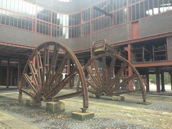 Zeche Zollverein Essen: Wheels