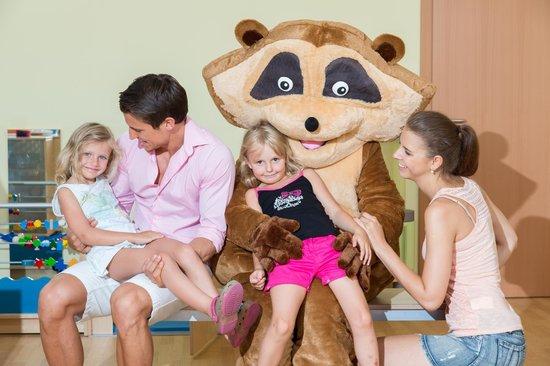 Werzer's Hotel Resort Portschach: Werzer's Kinderland mit Werzi, dem Maskottchen