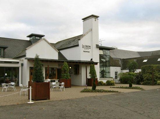 La Mon Hotel & Country Club: La Mon