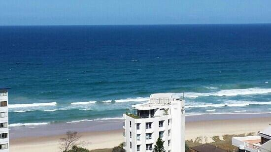Aristocrat Apartments Gold Coast: sea view