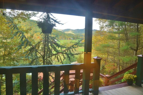 Valle Crucis Bed & Breakfast: From porch