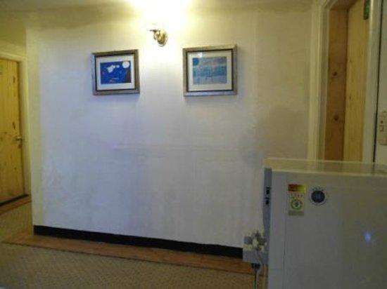 2nd Casa: Water cooler in the corridor