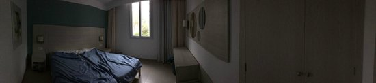 Protur Safari Park Aparthotel : The bedroom.