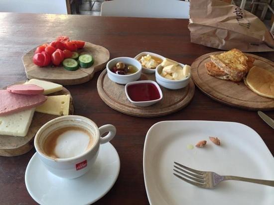 Musto Bistro : Turkish breakfast at Musto