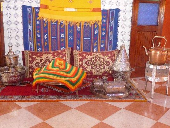 Restaurant KASBAH SIDI MANSOUR : Un vrai thé au herbes de montagne