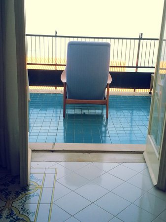 Hotel Continental: View of balcony from inside room