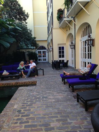 Hotel Le Marais: Peaceful courtyard