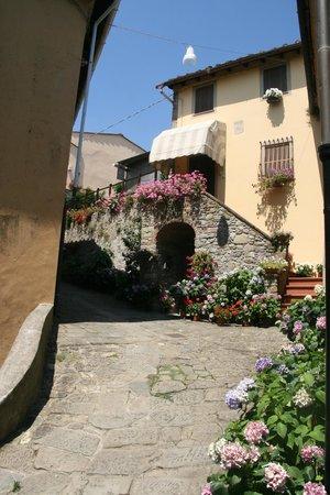 B&B San Gennaro Castello: entrada a pie de calle
