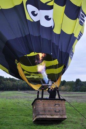 Aérocom Montgolfière : Préparation au décollage