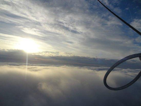 Aérocom Montgolfière : Au-dessus des nuages :)