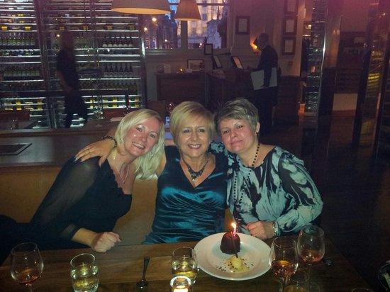 The Restaurant Bar & Grill: enjoying desserts