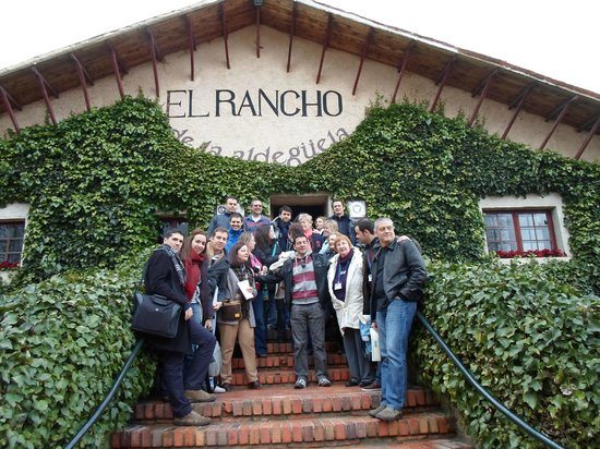 Hotel El Rancho: entrance to restaurant