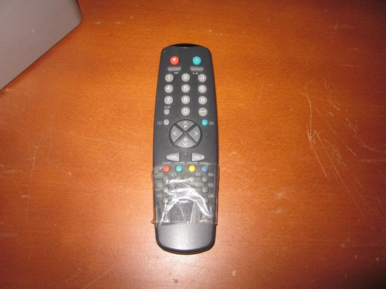 Hotel Borges Chiado : The remote held together with tape.