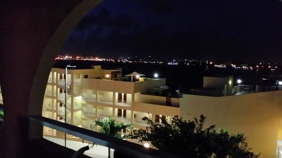 Night view balcony picture of the villas at simpson bay for Balcony at night