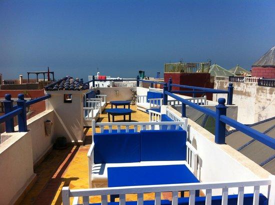 Riad Dar Afram: The roof terrace in the sunshine