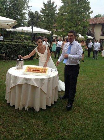 Romantic Hotel Furno: Taglio della torta