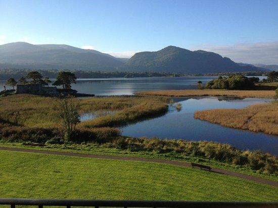Lake Hotel: Morning view