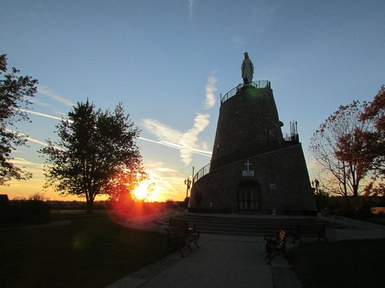 Leamington, Canada: Our Lady of Lebanon Shrine