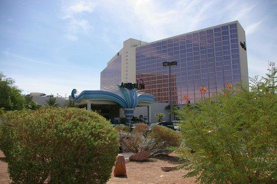 Aquarius Casino Resort: extérieur