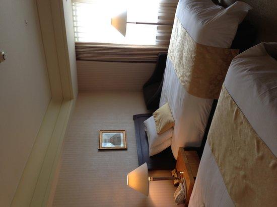 Lotte Hotel World: room