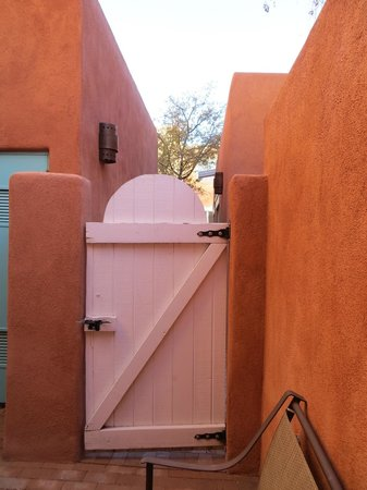 Zona Rosa at Las Palomas: our door