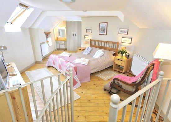 Tom's Barn and Douglas's Barn: Douglas's Barn bedroom