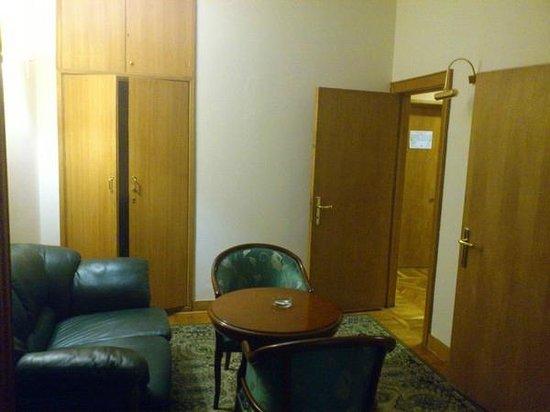 Arbat Hotel: Трехкомнатный номер - кабинет