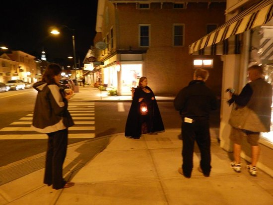 Seaside Shadows Haunted Tours: Courtney gives Tour to local Press Members