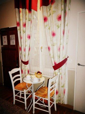Hotel Residence Quintinie: bellissimo tavolinoooo sempre rifornito