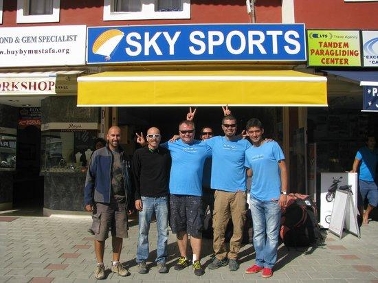 Sky Sports Paragliding: Михаил во главе со своей командой