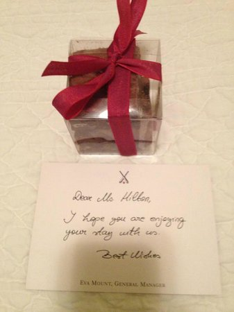 Dorset Square Hotel : Brownies left in my room each night. LOVE!