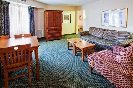 Staybridge Suites Grand Rapids/Kentwood: Suite