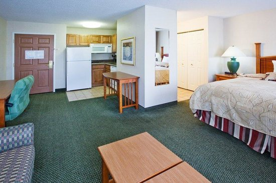 Staybridge Suites Grand Rapids/Kentwood: Suite