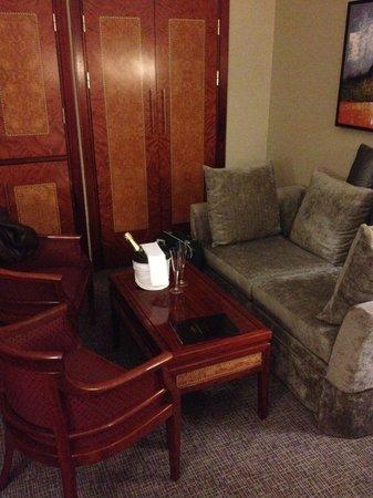 Grange City Hotel: Le salon