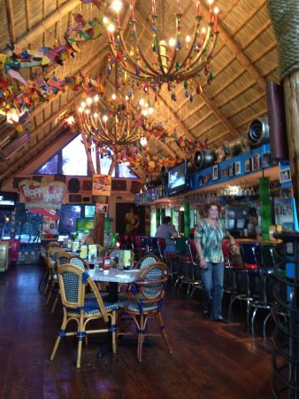 Chuy's: Bar area at midday