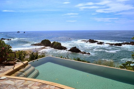 Casa Pan de Miel : The pool...