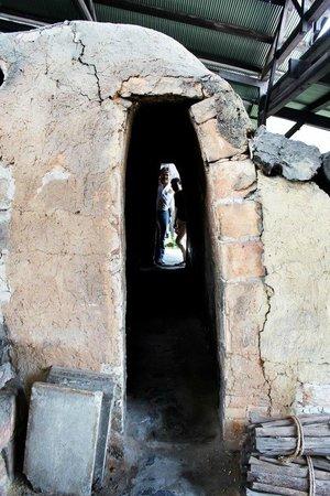 Kawai Kanjiro Memorial Museum: Visiting the pottery oven