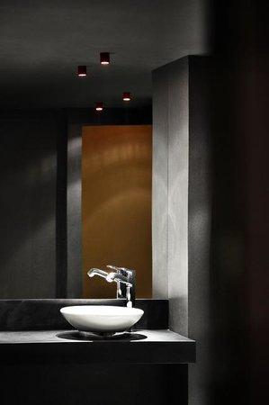 Nord natklub: Bathroom