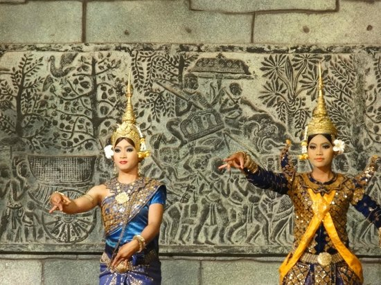Amazon Angkor : 踊り子さん
