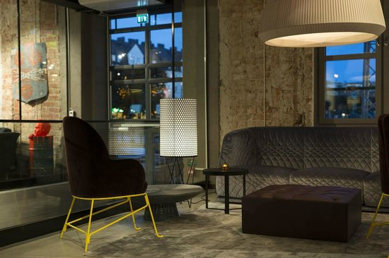 Story Hotel Signalfabriken : Lobby / BAR